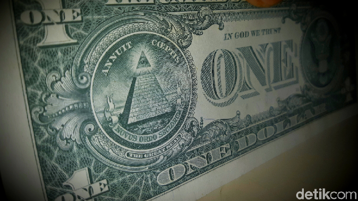 The Eye of Providence pada 1 Dolar AS. (Danu Damarjati/detik.com)