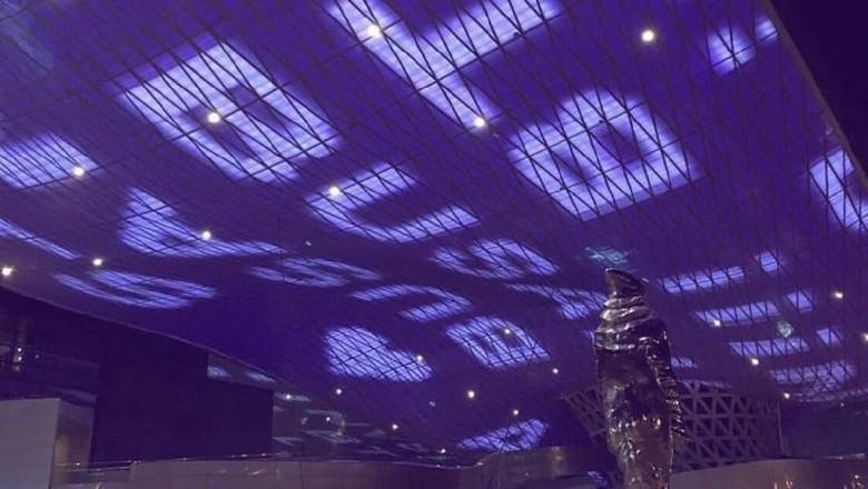 Warna ungu di landmark Busan (Twitter)