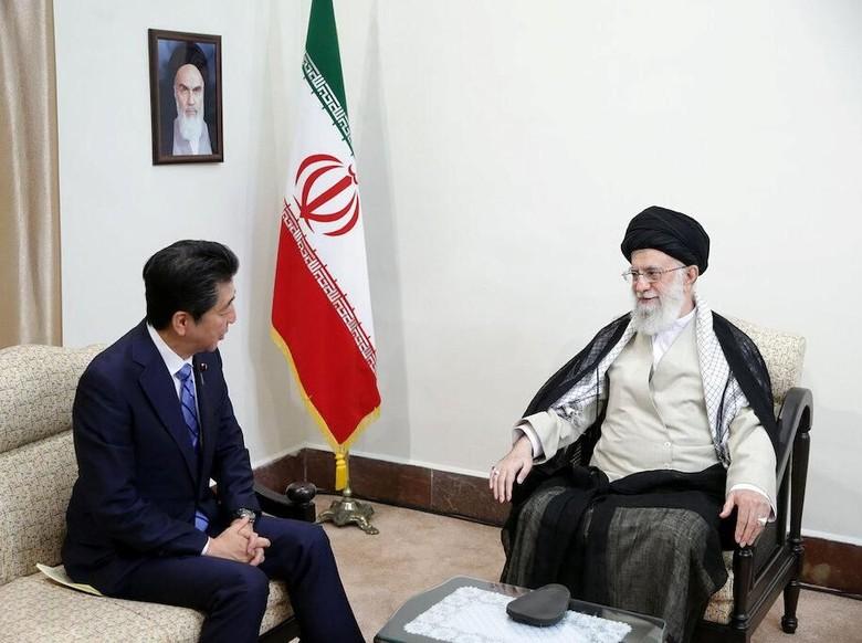 Tak Percaya AS, Pemimpin Tertinggi Iran Tak Mau Balas Pesan dari Trump