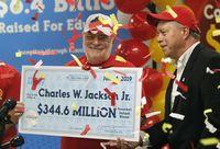 Wouw, Pensiunan Ini Menang Rp 3,3 Triliun Berkat Fortune Cookie!