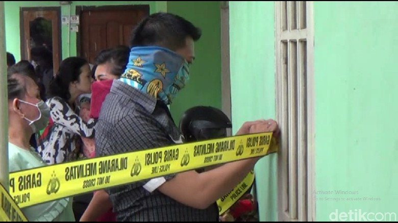 Mayat Wanita Ditemukan Membusuk di Kamar Kos di Jambi