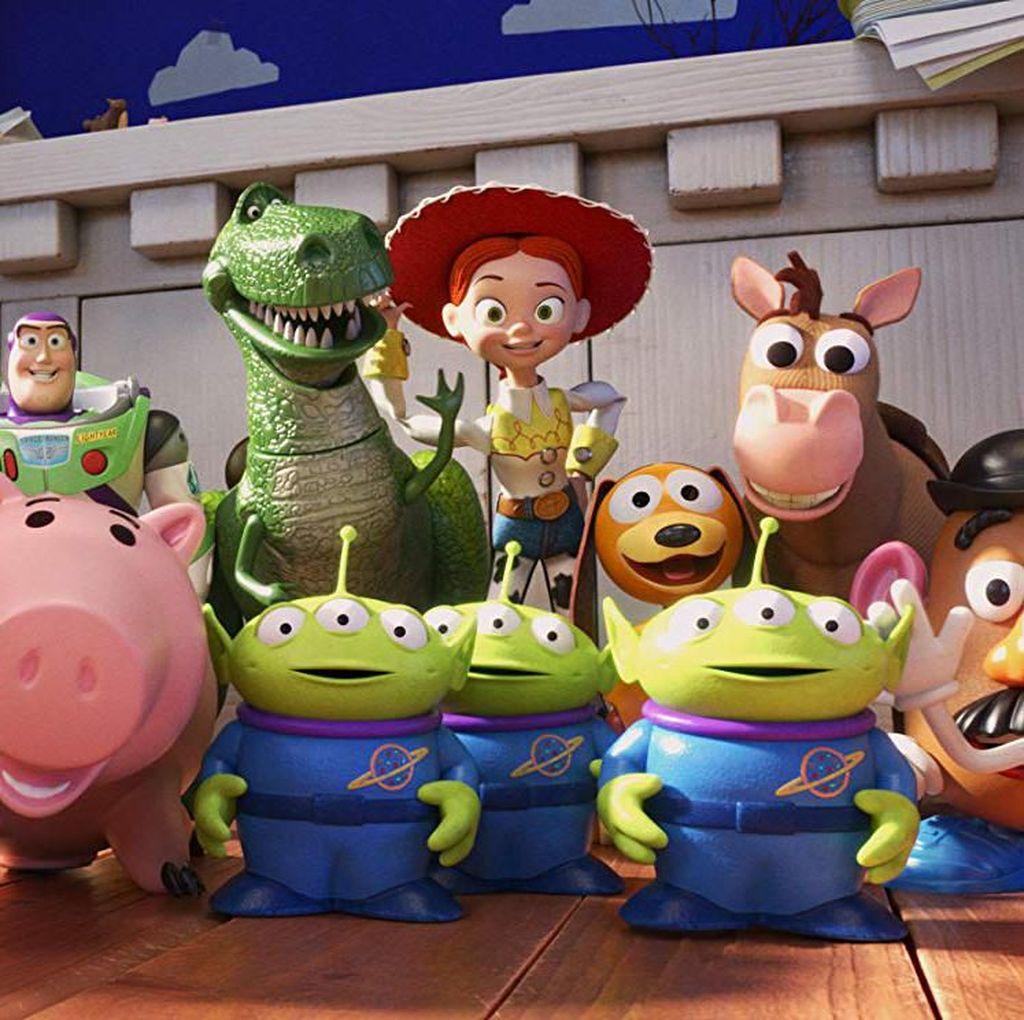 Nostalgia dan Petualangan Woody Bersama Pemilik Baru di Toy Story 4
