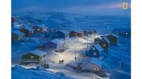 Weimin Chu jadi pemenang utama dan juara satu dalam kategori Cities. Fotonya berjudul Greenlandic Winter menampilkan warna-warni di desa nelayan Upernavik, di barat laut Greenland yang tertutup salju (Chu Weimin/National Geographic/CNN)