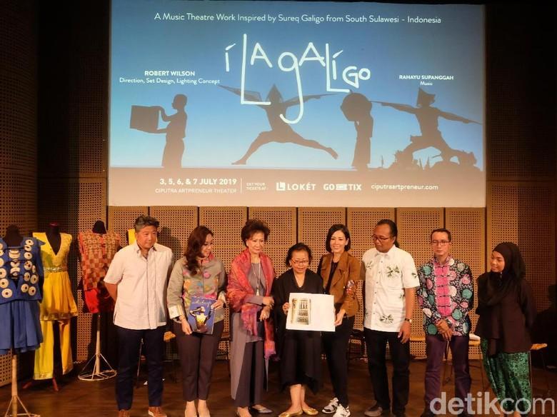Kerja Keras di Balik Layar Pertunjukan Kelas Dunia I La Galigo Foto: Tia Agnes/ detikHOT