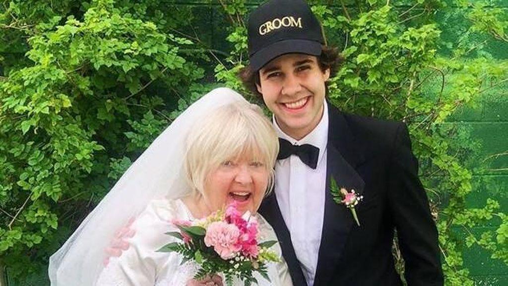 YouTuber Nikahi Ibu Temannya Demi Konten, Baru 1 Bulan Bercerai