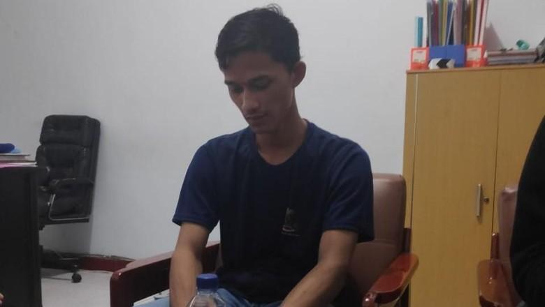 Alfiansyah Hanya Butuh 15 Jam untuk Dapat Foto Telanjang Dada Polwan