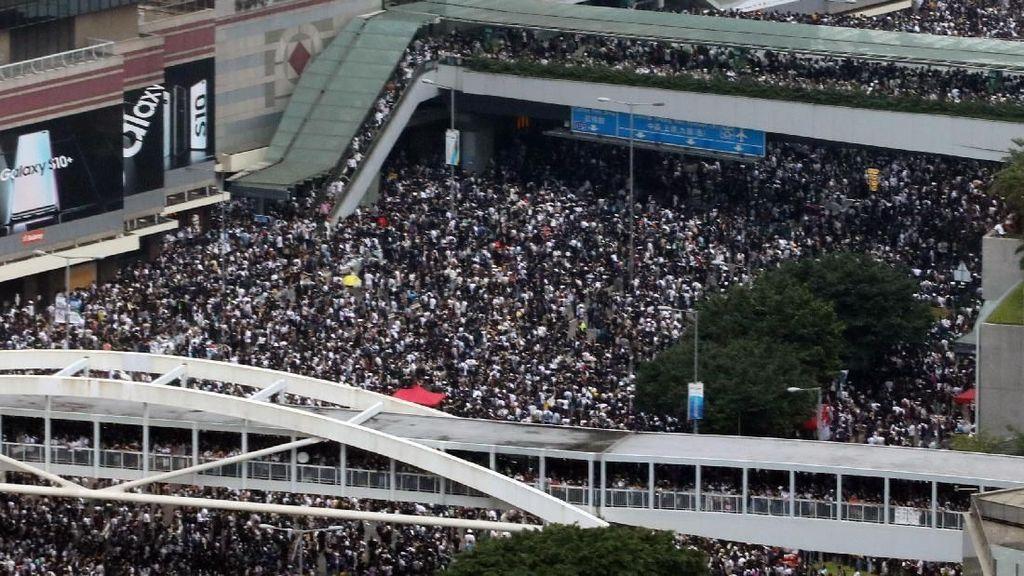 Sebut Demo RUU Ekstradisi Kerusuhan, China Dukung Respons Tegas Hong Kong