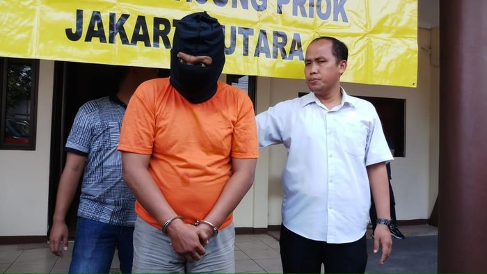 Januar Darman (36) pencuri mobil Sudin Damkar Jakarta Utara. (Foto: Farih Maulana Sidik/detikcom)