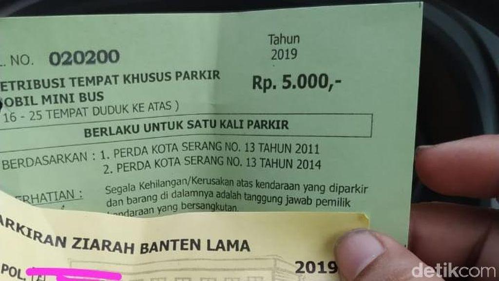 Duh! Kawasan Wisata Banten Lama Banyak Parkir Liar