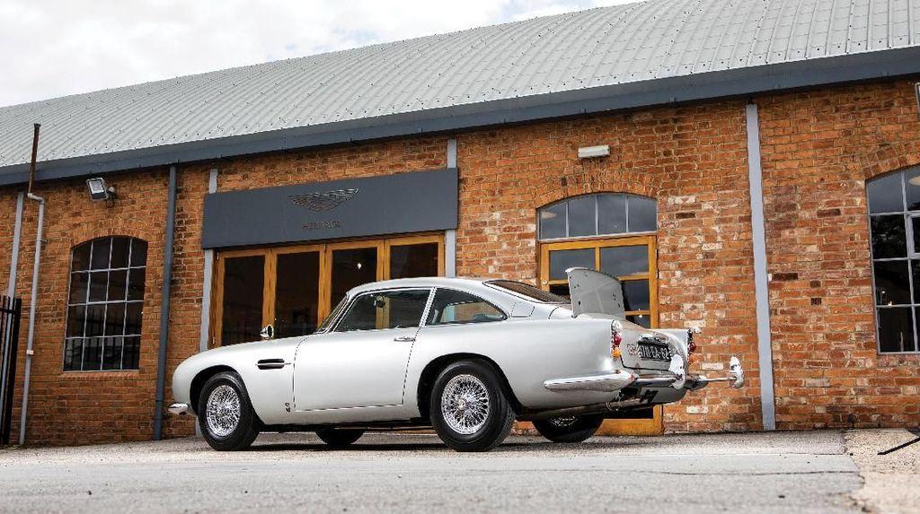 Saat Mobil Jadul Aston Martin Tembus Rp 80 Miliar