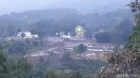 Kompleks wisata halal di atas ketinggian 800 dpl ini berada di Desa Ledug, Prigen, Pasuruan. (Budi Hartadi/detikcom)