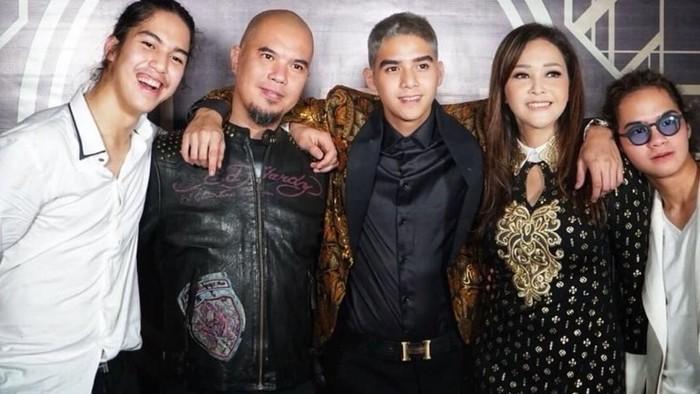 Ahmad Dhani, Maia Estianty, dan ketiga putranya