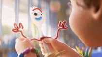 Disney Tarik Boneka Forky Toy Story 4 dari Pasaran