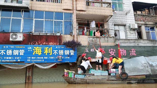 61 Tewas dan 356 Ribu Warga Mengungsi Akibat Banjir di China
