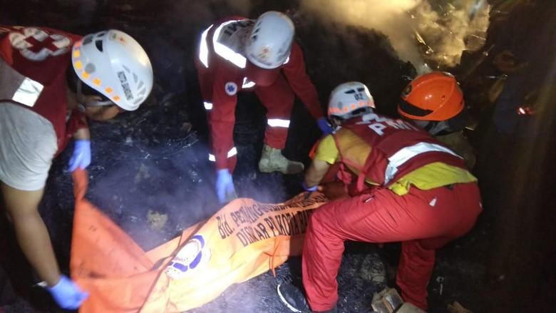 Gudang Barang Bekas di Bandung Terbakar, 1 Orang Tewas