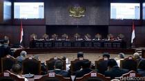 Siapa yang Berani Ancam Hakim MK?