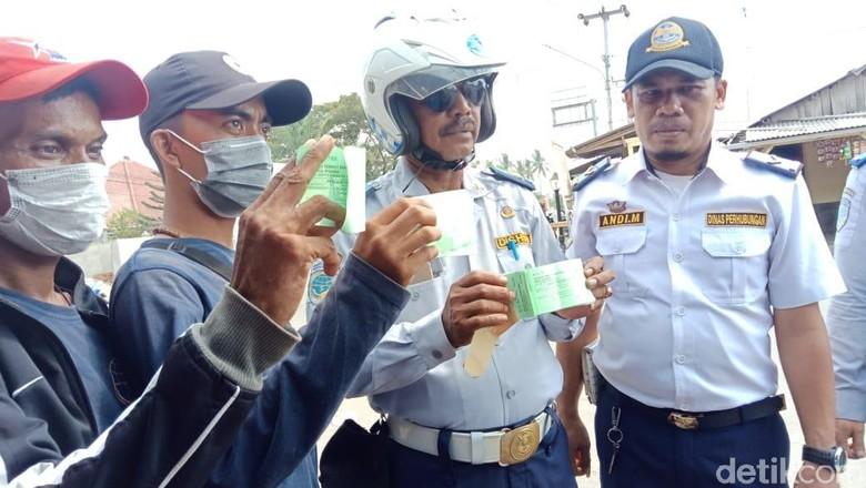Dishub Serang Akui Sulit Tertibkan Parkir Liar di Kawasan Banten Lama