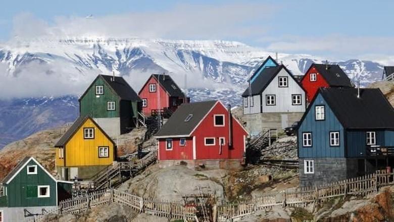 Desa nelayan di Greenland yang warna-warni (iStock)
