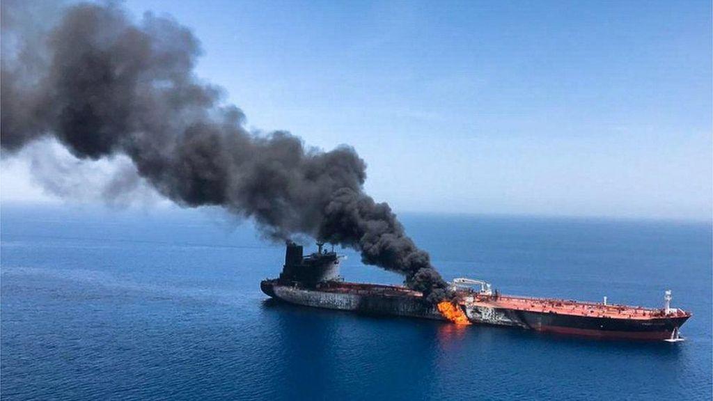 AS Perlihatkan Video Tentara Iran Pindahkan Ranjau dari Tanker di Teluk Oman