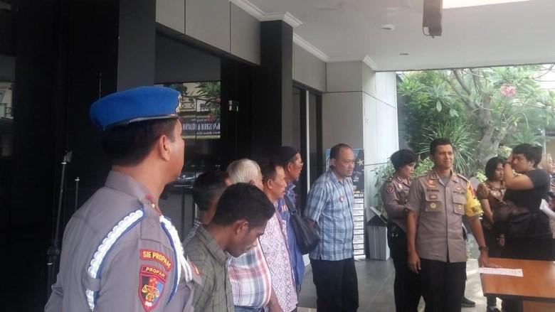 Janjikan Urus SIM Rp 800 Ribu Tanpa Tes, 5 Calo di Bekasi Diciduk