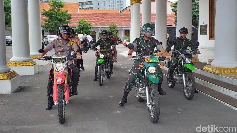 TNI-Polri Perketat Keamanan Gedung Grahadi untuk Antisipasi Demo