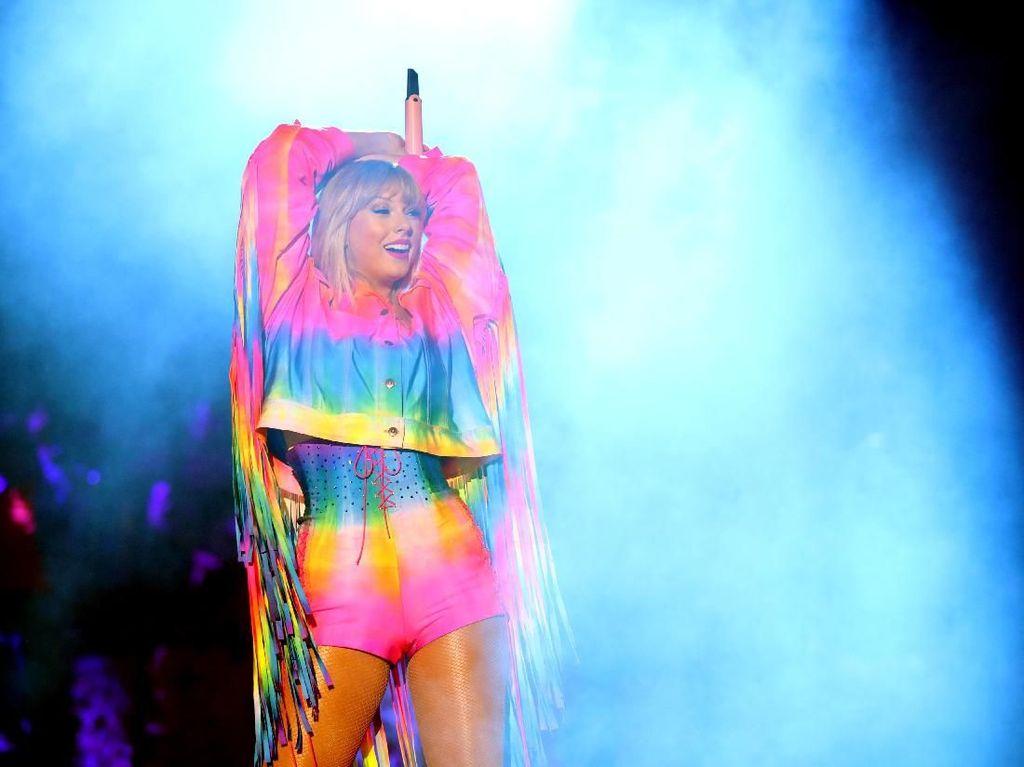 Bakal Ada Deadpool di Video Musik Taylor Swift