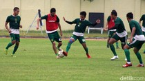 Persebaya Berlatih Jelang Hadapi Madura United