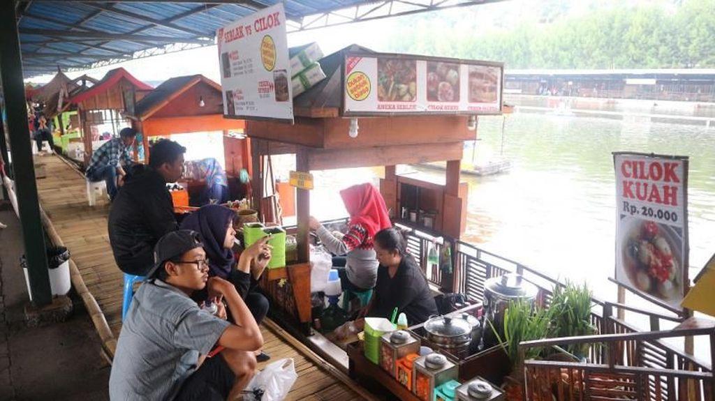 Deretan Keseruan di Floating Market Lembang