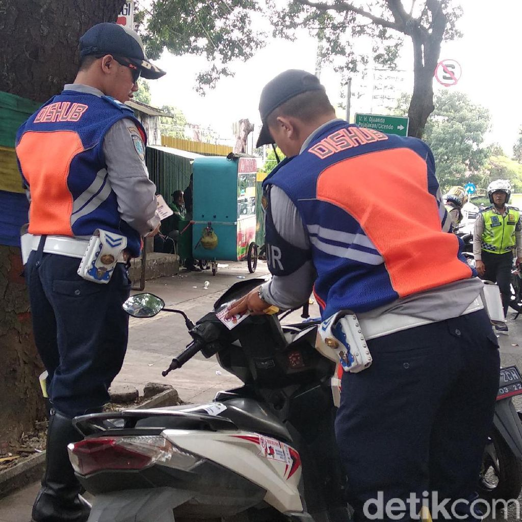 Soal Retribusi Parkir Minim, DPRD Minta Pemkot Bandung Benahi Sistem