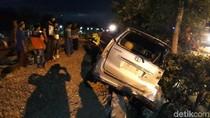 KA Gumarang Tabrak MPV di Bojonegoro, Tiga Emak-Emak Selamat