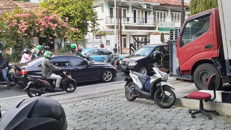 Polisi: Emosi, Pemobil Koboi Todong Senpi karena Merasa Benar