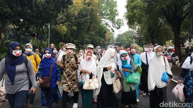 Meski Imbau Pendukung Tak Hadir di MK, Sandi Setuju dengan Aspirasi Massa Demo
