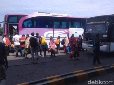 Adu Gengsi di Jalur Bus Muriaan
