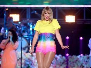Rilis Album Baru, Taylor Swift Luncurkan Koleksi Baju Bareng Stella McCartney