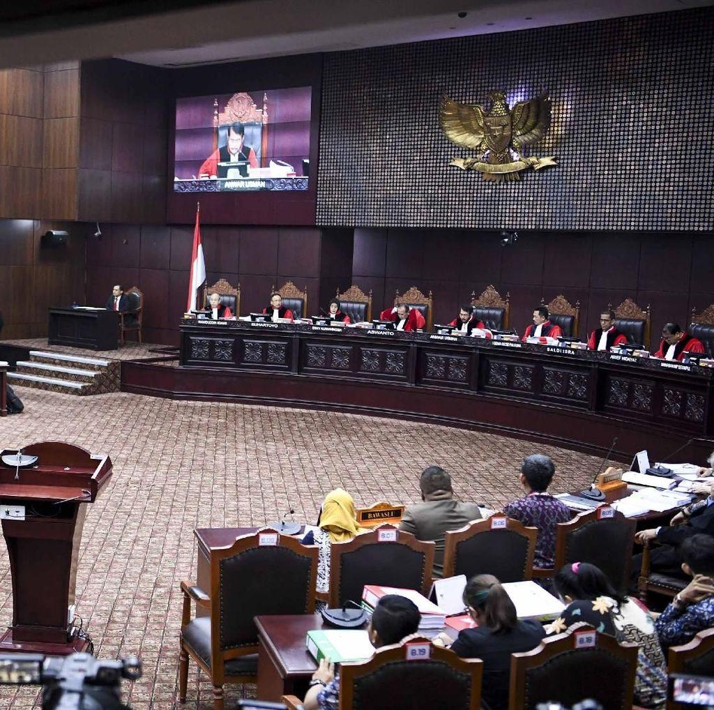 Tim Hukum Prabowo Kirim 4 Truk Dokumen Gugatan Pilpres