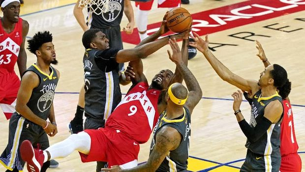 Raptors mengalahkan Warriors 114-110 di gim 6 final NBA. (