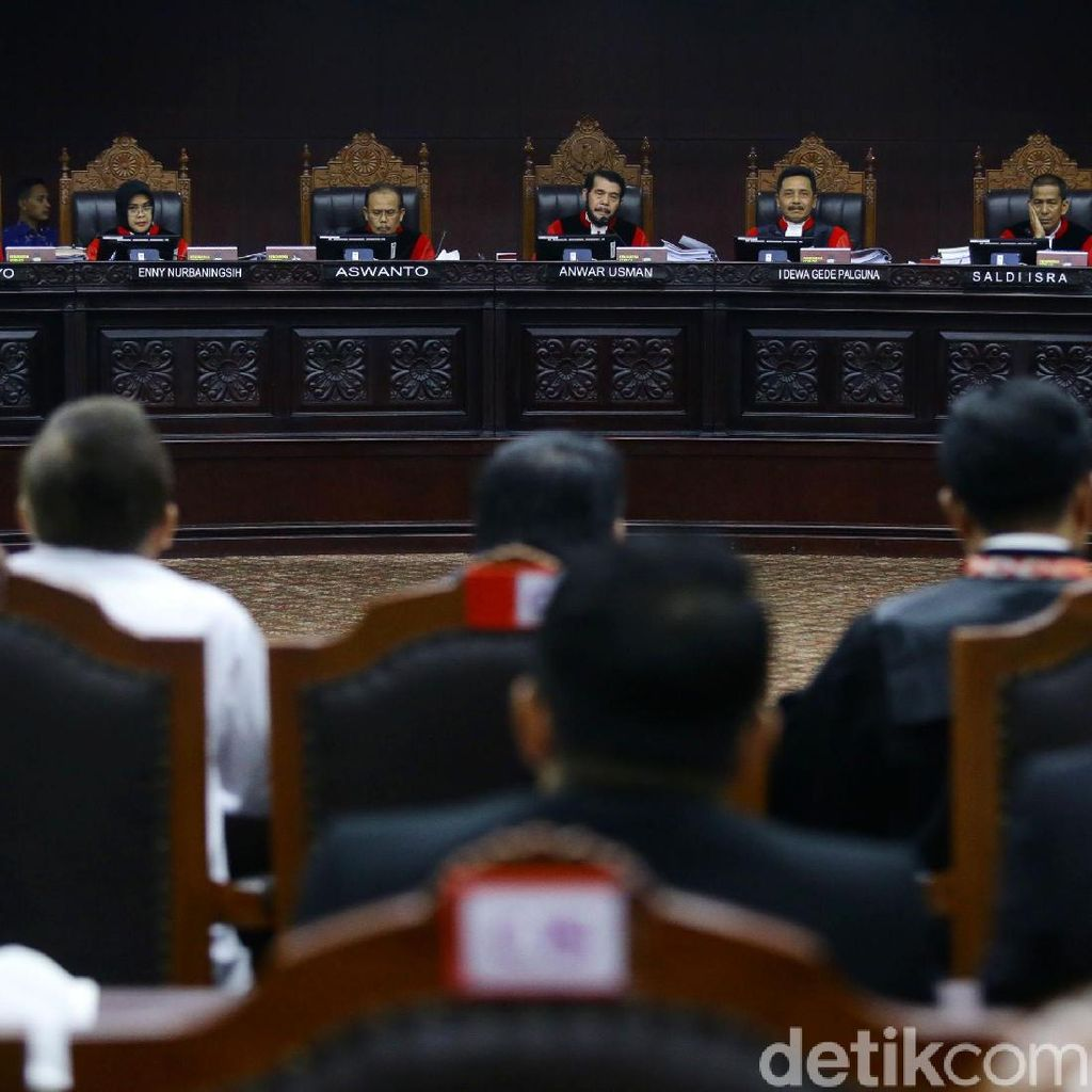 Siap Bantah Permohonan Prabowo-Sandi di MK, KPU Kumpulkan Bukti dari Daerah