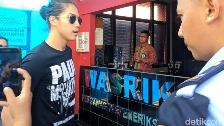 El dan Dul Tak Banyak Bicara Usai Jenguk Ahmad Dhani di Rutan Cipinang