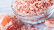 Jadi Alternatif Garam Sehat, Kenapa Garam Pink Himalaya Mahal?
