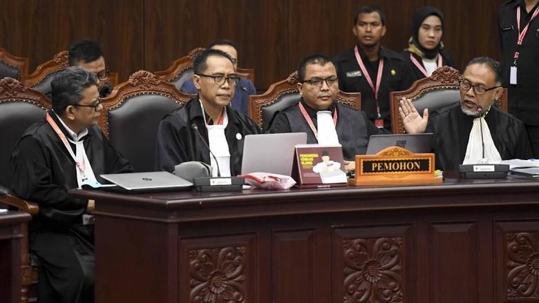 BW Minta MK Kabulkan Gugatan Pilpres, Beberkan Fakta-fakta Sidang