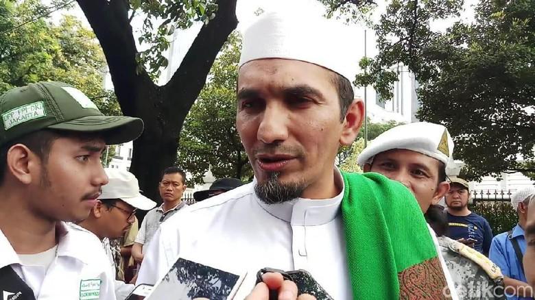 Ketum FPI ke Moeldoko: Anda Punya Uang Berapa? Nggak Laku untuk Habib Rizieq!