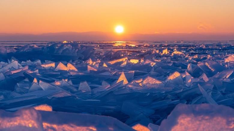 Foto: Danau Baikal Membeku (iStock)