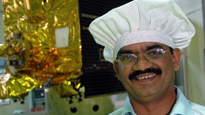 Kisah Ilmuwan dari Desa Miskin di Balik Misi India ke Bulan dan Mars