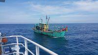 Kapal Ikan Ilegal Berbendera Malaysia