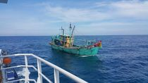 Video Kapal Ilegal Malaysia Disergap di Selat Malaka