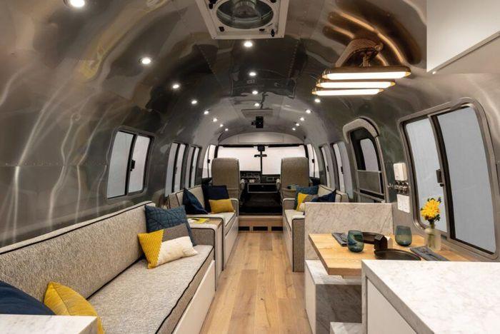 Timeless Travel Trailers, sebuah perusahaan desain di Colorado melakukan renovasi pada interior mobil Airstreams keluaran 1989. Istimewa/Inhabitat.