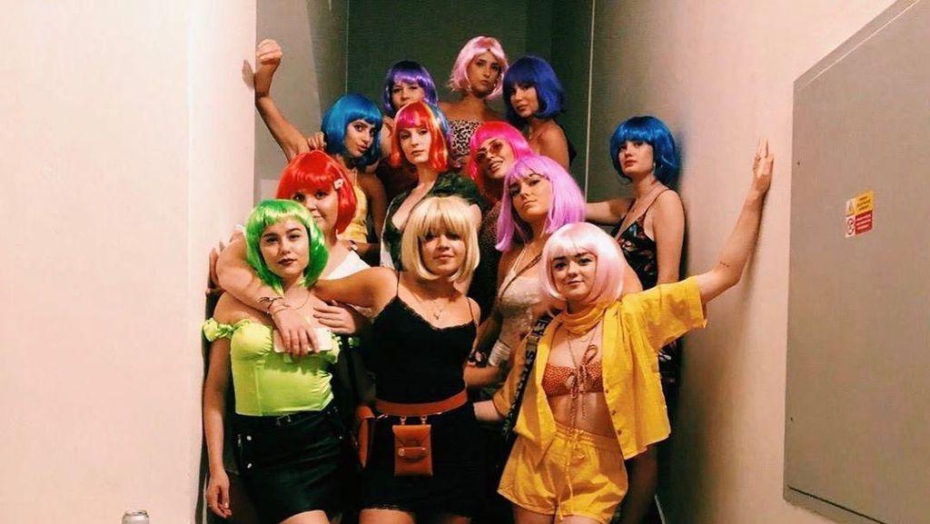 Pesta Lajang Sophie Turner hingga Deretan Mantan Jessica Iskandar
