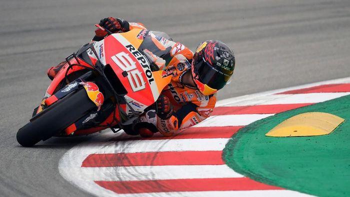 Jorge Lorenzo memakai komponen baru di MotoGP Catalunya. (Foto: Lluis Gene / AFP)