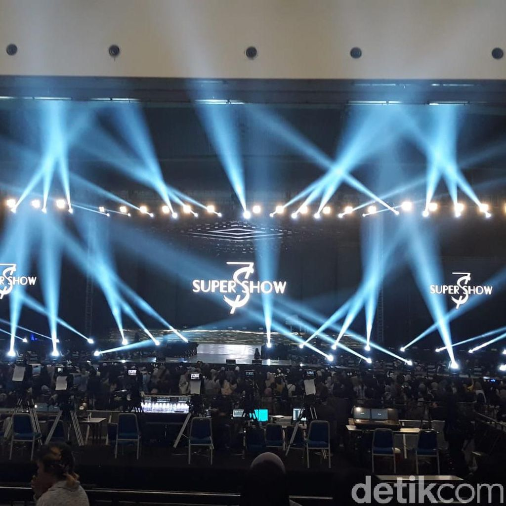 Bawakan Sorry Sorry, Super Junior Sukses Guncang Jakarta