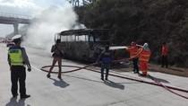 Bus Pariwisata Ludes Terbakar Di Tol Madiun, Korban Jiwa Nihil